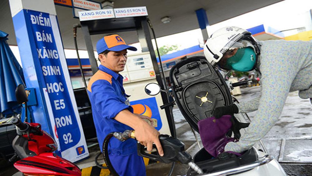 Giá xăng tăng từ 15 giờ ngày 23-5